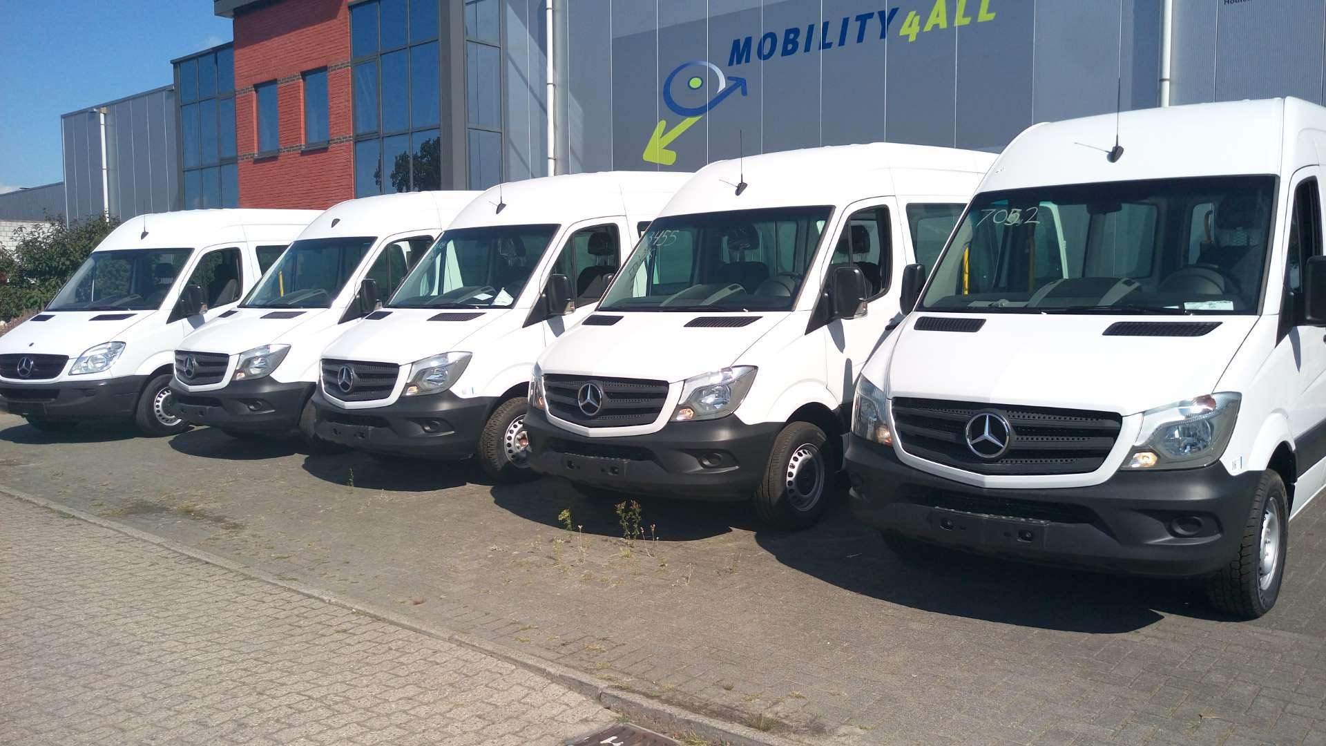 Gebruikte 9- persoons rolstoelbussen uit voorraad leverbaar