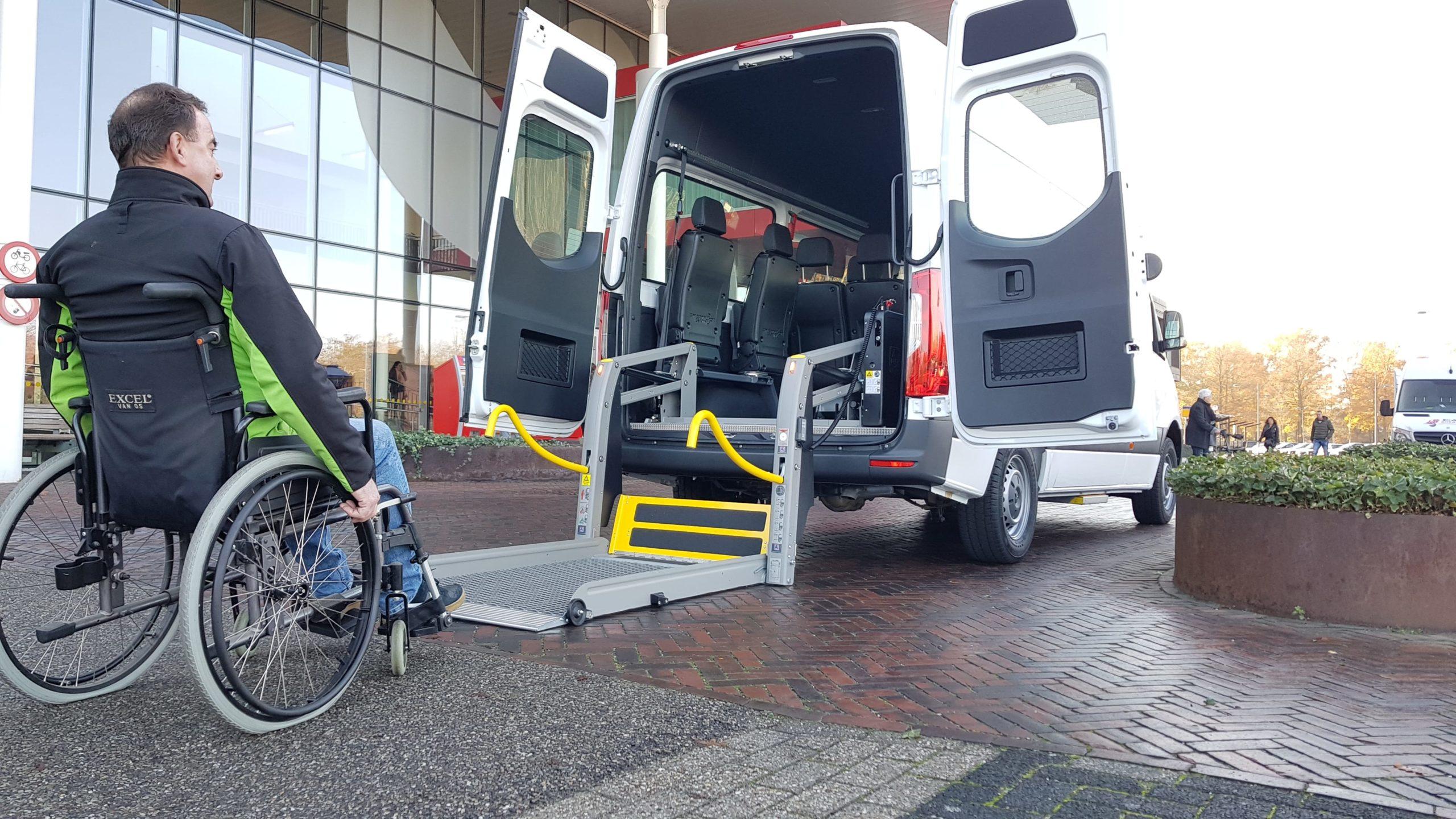 Te Huur met rolstoellift
