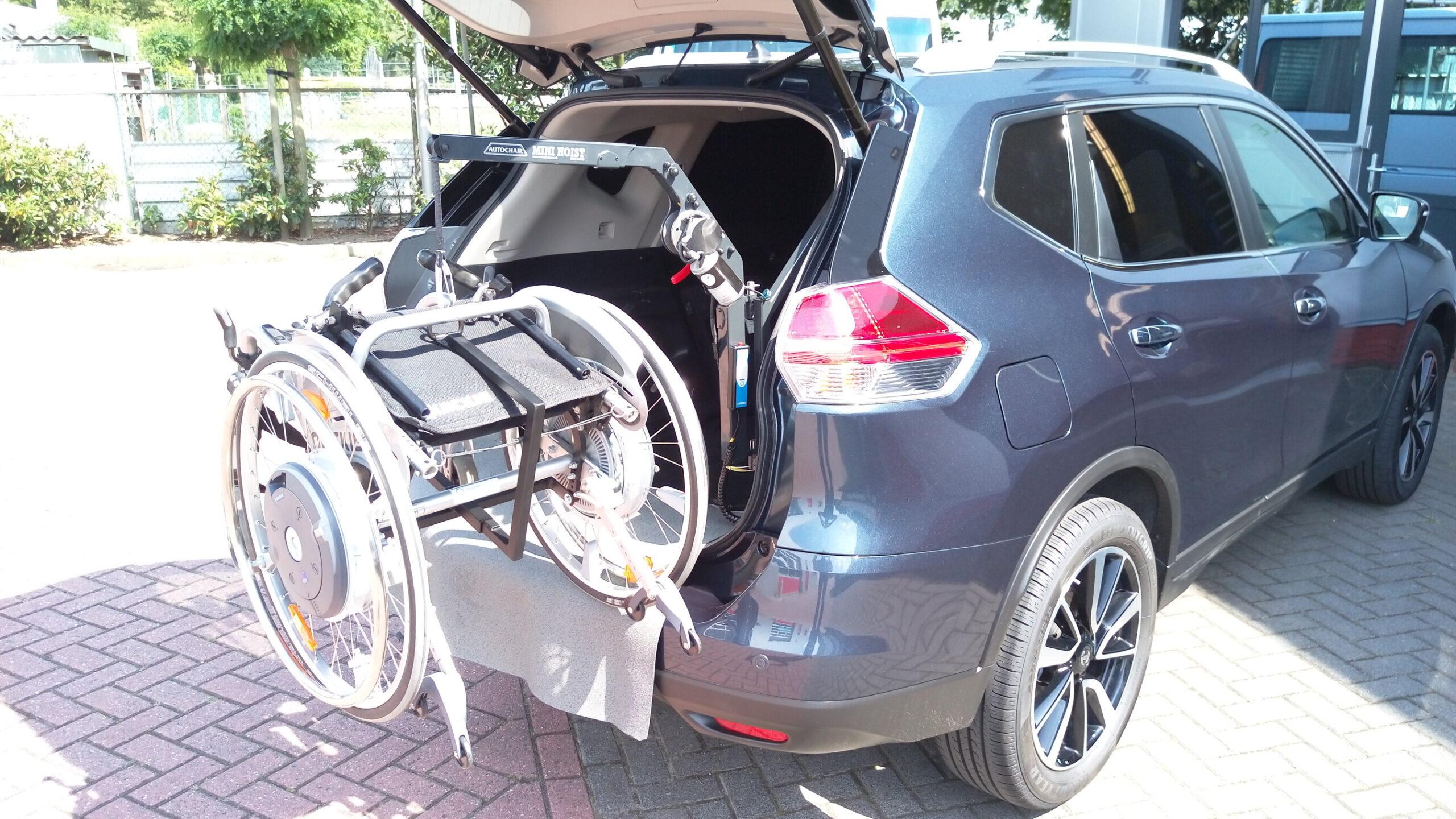 rolstoellift elektrisch heffen en draaien