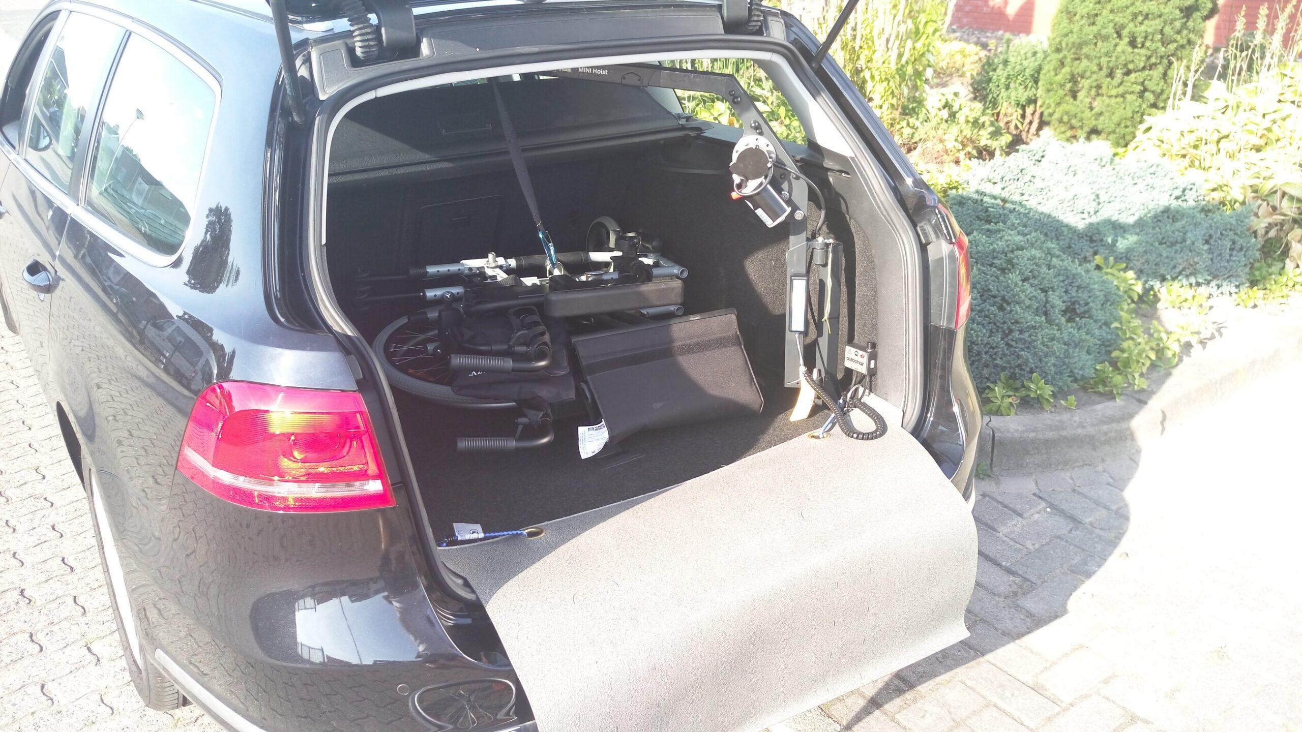 Gemakkelijk uw rolstoel in de kofferbak laden